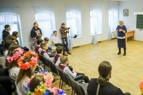 Детский дом Павлин на приходе Троицкого храма (12 of 36)