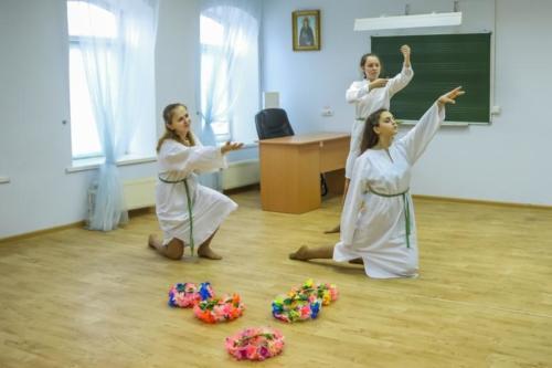 Детский дом Павлин на приходе Троицкого храма (32 of 36)