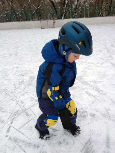 Малыши на льду