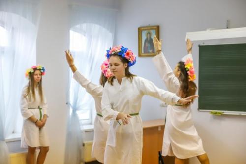 Детский дом Павлин на приходе Троицкого храма (27 of 36)